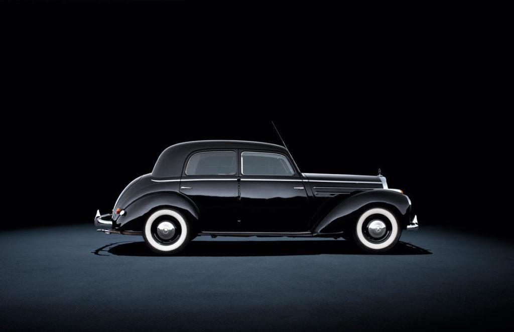 Mercedes-Benz 220 W187 (1951 - 1954).