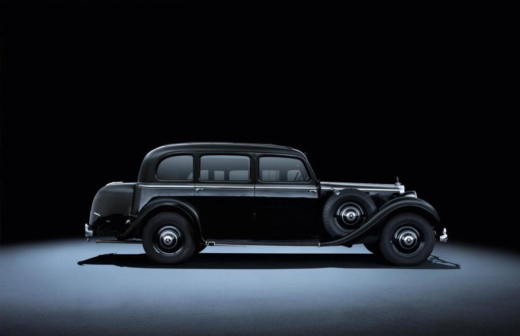 Mercedes-Benz 300 W142 (1937 - 1942).