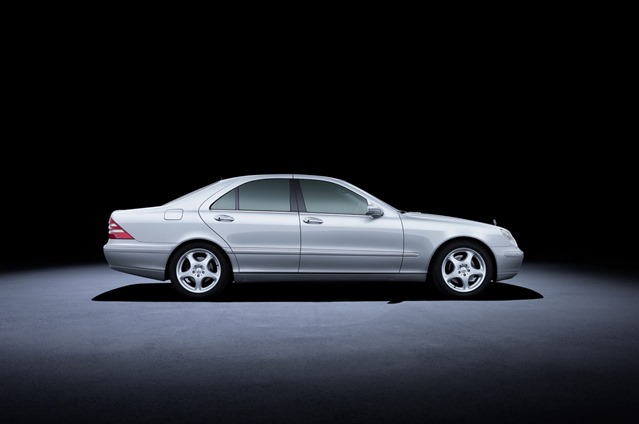 Mercedes-Benz S-Class W220 (1998-2005).