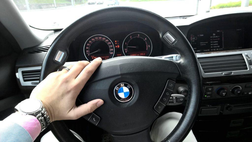 BMW Koneser Motoryzacji kokpit